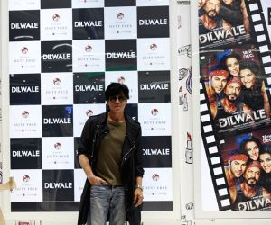 Team 'Dilwale' offers fun at Mumbai Duty Free ()