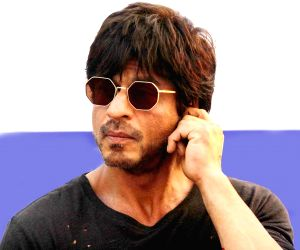 SRK vouches for hard work above all for success