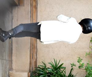 Shahid Kapoor Spotted at Juhu