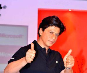 Shahrukh Khan at Don 2 Microsoft promotions at Taj Lands End.
