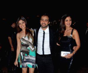Shamita Shetty, Raj Kundra and Shilpa Shetty at Baba Dewan's birthday bash, Taj Land's End.