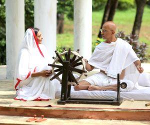 DJ Sheizwood, Anuradha Paudwal recreate 'Raghupati Raghav'