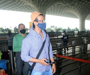 Sharman Joshi spotted at Airport on Tuesday 23rd February 2021