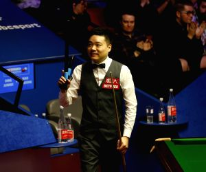 BRITAIN-SHEFFIELD-SNOOKER-WORLD CHAMPIONSHIP-DAY 4