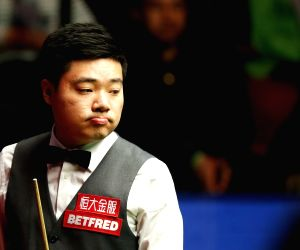 BRITAIN SHEFFIELD SNOOKER WORLD CHAMPIONSHIP SEMIFINAL DING VS SELBY