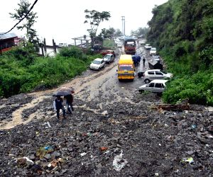 Rains subside in Himachal, road traffic restored