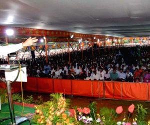 Deepak Kesarkar joins Shiv Sena