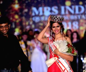 Shivani Naik Shah crowned Mrs. India 2018 Queen of Substance