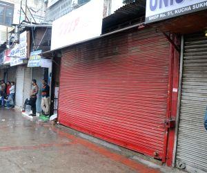 Delhi markets observe trade bandh against sealing drive