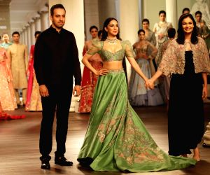 India Couture Week 2018: Showstopper Kiara Advani, Shyamal and Bhumika couture
