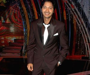 Shreyas Talpade on the sets of Comedy Ka Maha Muqabla