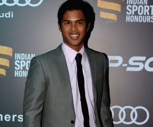 Somdev Devvarman predicts bright future for surfing in India