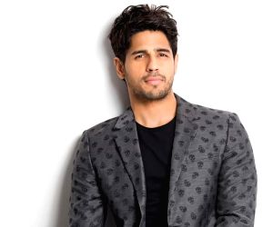 A Very Happy New Year To Everyone Says Sidharth Malhotra