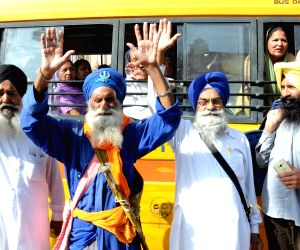 Sikh devotees depart for Pakistan
