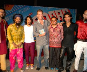 Simon Gambell of British Council with Swarwatma.