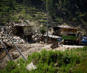 NEPAL SINDHUPALCHOWK EARTHQUAKE TRANSPORT BLOCKAGE