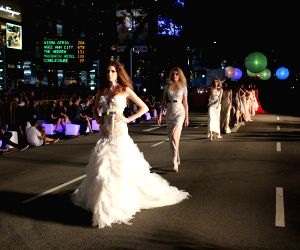 SINGAPORE-ORCHARD ROAD-FASHION SHOW