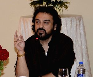 Adnan Sami interacts with local artists