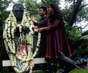 Tribute to music legend Rahul Dev Burman