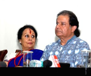 Sonal Mansingh and Anup Jalota pledge their support