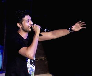 Want to collaborate with Asha Bhosle: Arjun Kanungo