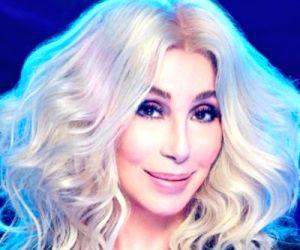 Bob Mackie designs for Cher, Carol Burnett to be auctioned