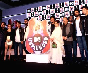 Royal Stag Barrel Select MTV Unplugged - Shankar Mahadevan, Vishal Bhardwaj, Rekha Bhardwaj, Amaal Malik and Armaan Malik