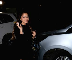Kanika Kapoor seen at airport