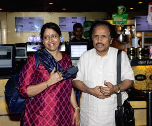 Kavita Krishnamurthy, L. Subramaniam celebrate Indian classical music in New York