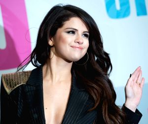 Selena Gomez lives out her 'Shark Tank' dream