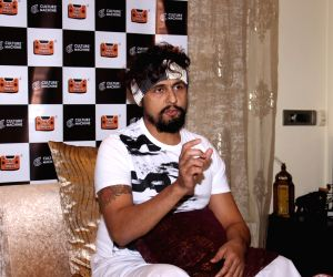 Sonu Nigam talks about his recently social experiment - roadside Ustaad