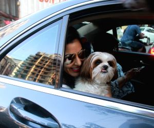 Sophie Choudry seen at Bandra