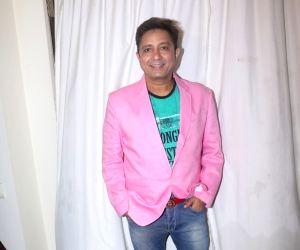 Sukhwinder Singh's pre-birthday celebration