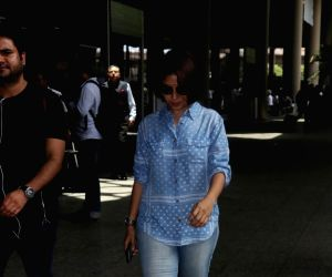 Sunidhi Chauhan Spotted At Airport