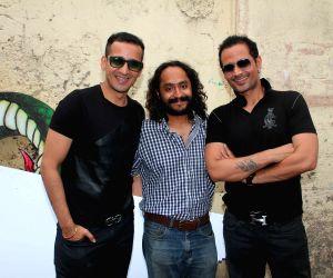 Mumbai: On location shoot of film Sharafat Gayi Tel Lene