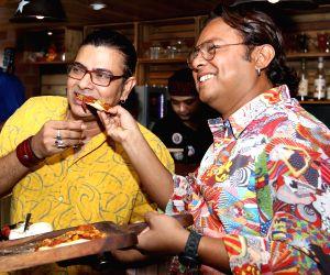 """Foodies"""" meet - Sidhu, Surojit Chatterjee"""