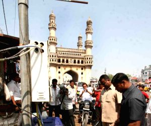 Sniffer dogs searching for expolisive near Macca Masjid Hyderabad