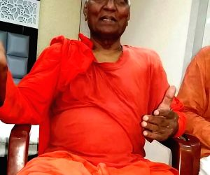 Swami Agnivesh roughed up outside BJP office