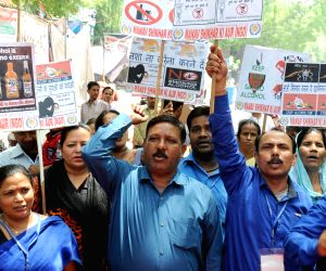 "Demonstration to press for ""liquor free Delhi"