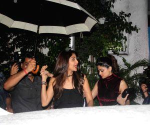 Shilpa Shetty, Shamita Shetty and Anu Dewan spotted in Bandra