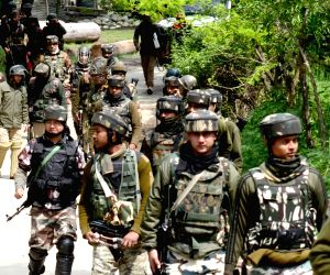 Eight-hour search operation ends in Kashmir