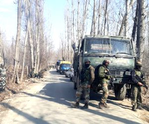 Six die in Kashmir gunfight
