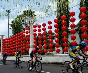 INDONESIA SOLO CYCLING TOUR DE INDONESIA STAGE 1