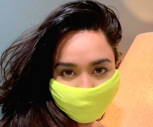 Soundarya Sharma turns T-shirt into mask