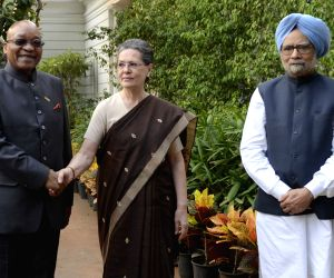 South African president meets Sonia, Manmohan
