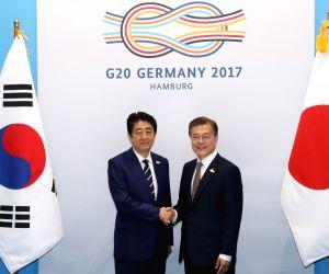 Leaders of S. Korea, Japan meet in Hamburg