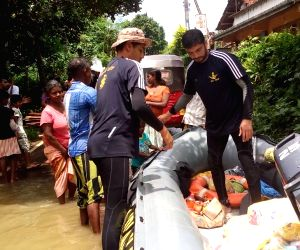 Sri Lanka: Floods - Indian Navy's relief and rescue operations