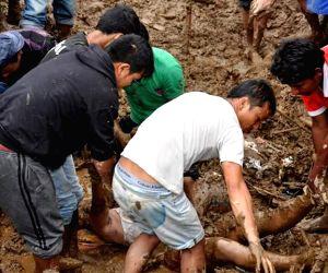 30 killed in Darjeeling landslide