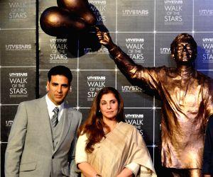 Statue of Superstar Rajesh Khanna