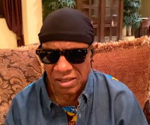 Free Photo: Stevie Wonder calls out Donald Trump